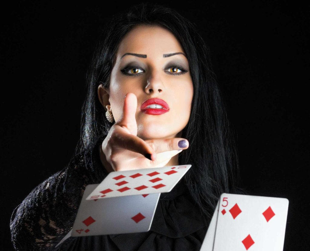 Folding poker hand